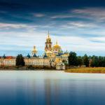 60 лучших мест России для летнего отдыха!